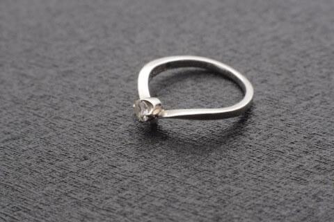 プラチナ850(Pt850)のネックレスが高額買取される決め手と買取相場