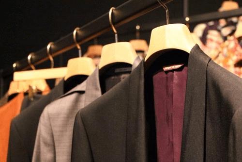 形の古いブランドスーツでも買取可能?着ていないスーツが高額買取になるコツをチェック