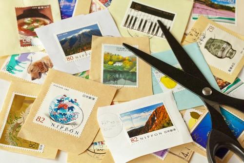切手収集にハマる理由は?すぐ始めたくなる魅力3選を紹介!