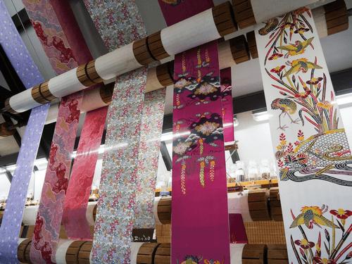 和染紅型の第一人者「栗山吉三郎」と「栗山工房」が生み出す着物を高く売りたい!買取価格はいくら?