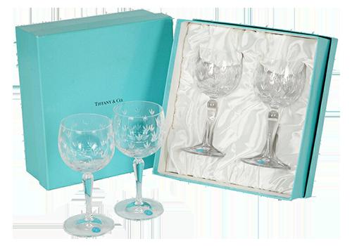 ティファニーのグラスの買取相場をご紹介!食器の人気も高い理由とは