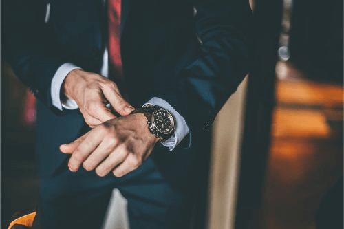 レビュートーメンの時計の高価買取のコツを伝授!買取相場や注意点は?