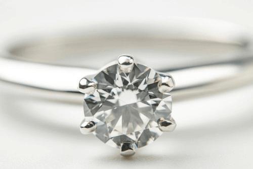 ダイヤモンドは貴金属買取してもらえるのか?高値で売るコツとは