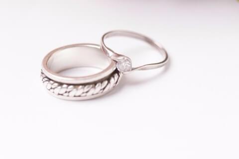 結婚指輪が不要になっても捨てないで!プラチナ買取について知っておこう