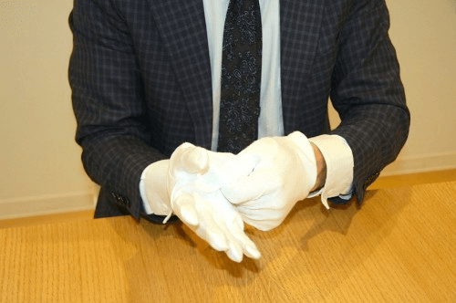 着物の処分は質屋と買取業者のどちらを選べばいいのか?