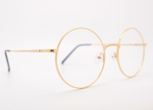 高級ブランドのメガネやサングラスの査定基準や高く売るためのポイントとは?