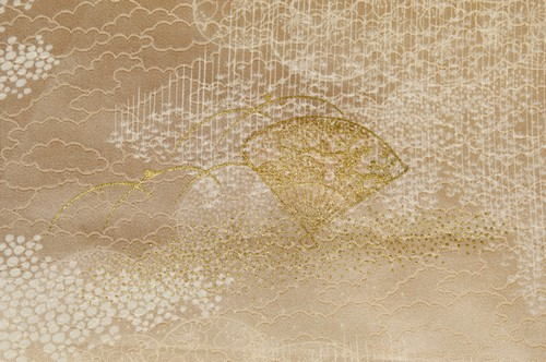 素朴で美しい色合いと着心地の良さが特長「郡上紬」の魅力とは?
