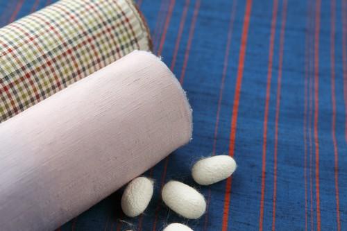 江戸時代から続く絹織物!独特の風合いで愛好家の多い信州紬について