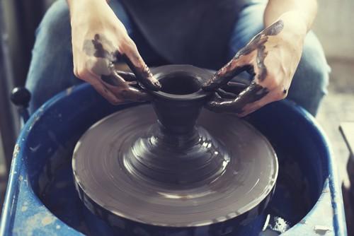 板谷波山とは?茨城が生んだ陶芸家の魅力は作品を超えた人柄にあった