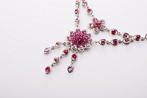 世界4大宝石に名を連ねるルビーの特徴