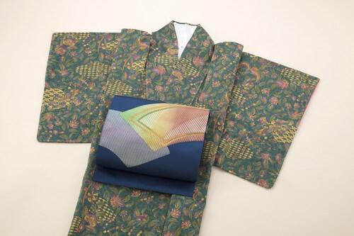 【写真で解説!】5分で分かる着物のたたみ方!正しいたたみ方で着物を美しく保管しましょう。