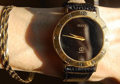 グッチレディース時計の定番人気アイテム買取の特徴紹介