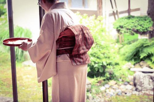 着物作家・山田貢作品の買取方法は?基本情報から高く売るコツまで徹底解説!
