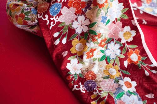 献上博多機の作家、小川善三郎の着物の魅力とは?買取相場や高く売るコツも解説