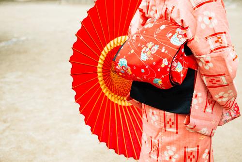 志村ふくみの着物・帯の買取相場と高く売るコツ