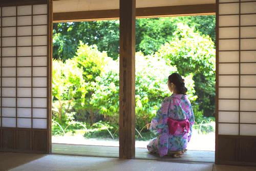 日常着だった久留米絣を芸術の域へ!松枝玉記の着物を高く買取してもらうためのコツとは