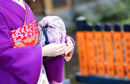 人気の着物買取サービスの特徴と高値がつきやすい着物のご紹介