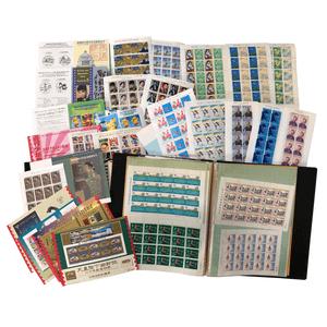 スタンプブック15冊の中から記念切手をメインに収集されたコレクションが