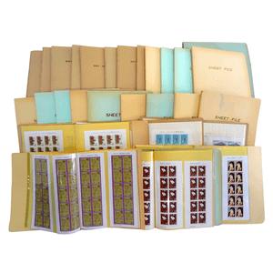 部屋の奥に眠っていた枚数不明の切手。100万円を超える買取価格に!