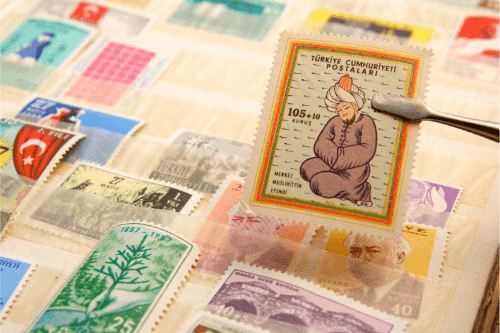 切手の整理や保管のために必要な道具や方法とは?
