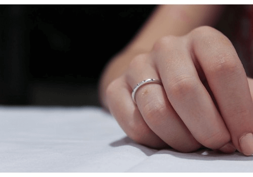 ペアリングとしても人気の「グッチ(GUCCI)の指輪」買取事情についてまとめて解説