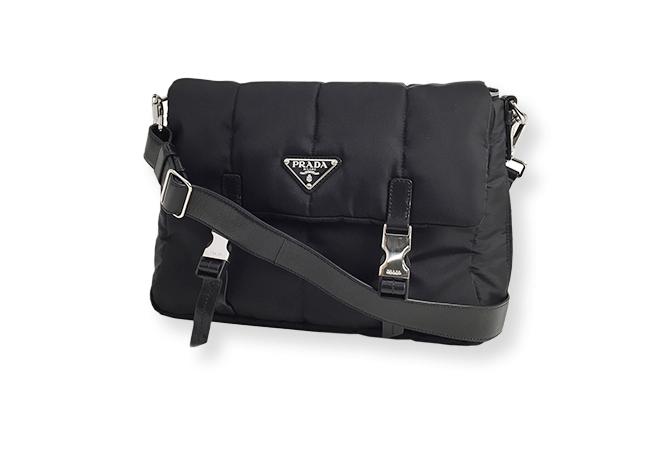 プラダ(PRADA)のバッグの買取相場はどれくらい?人気モデルの買取価格はいくら?