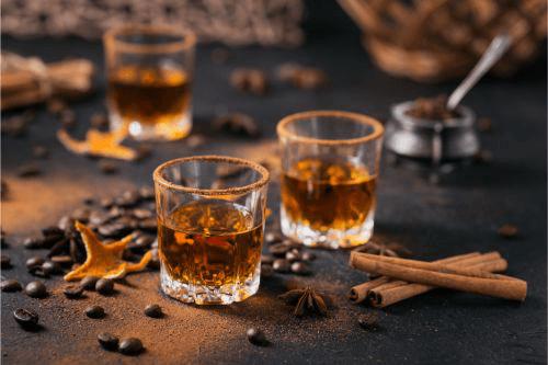 サントリーの名作ウイスキー「山崎」「響」の買取相場は?高額買取のコツまでご紹介