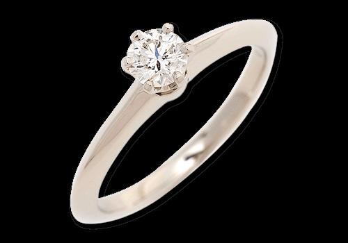 婚約指輪でも人気の高いティファニーリングの買取相場について